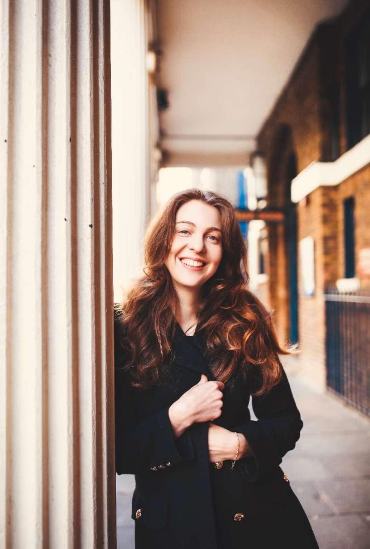 Julia  Burbach - Picture nr #